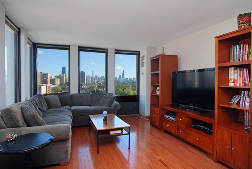 Complete with fantastic city views, this Chicago condo is listed for $299,900 by John Ketner of @Properties.  Click on the photograph for more on this listing.