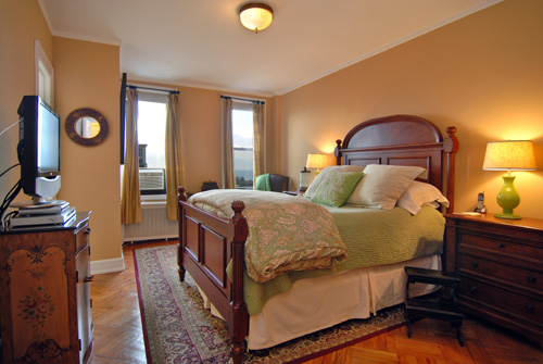 By applying the three tips above, when VHT re-photographed the listing, the bedroom appears much larger